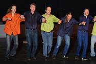 Doe Dans 2008 openingsvoorstelling Project mannendans - Echte mannen dansen